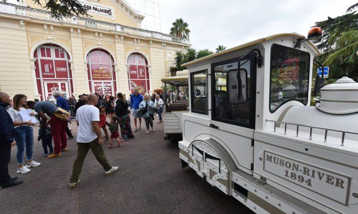 Balade en petit train Hyères centre-ville